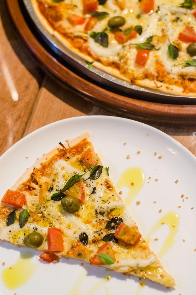 Najlepsze sosy do różnych rodzajów pizz