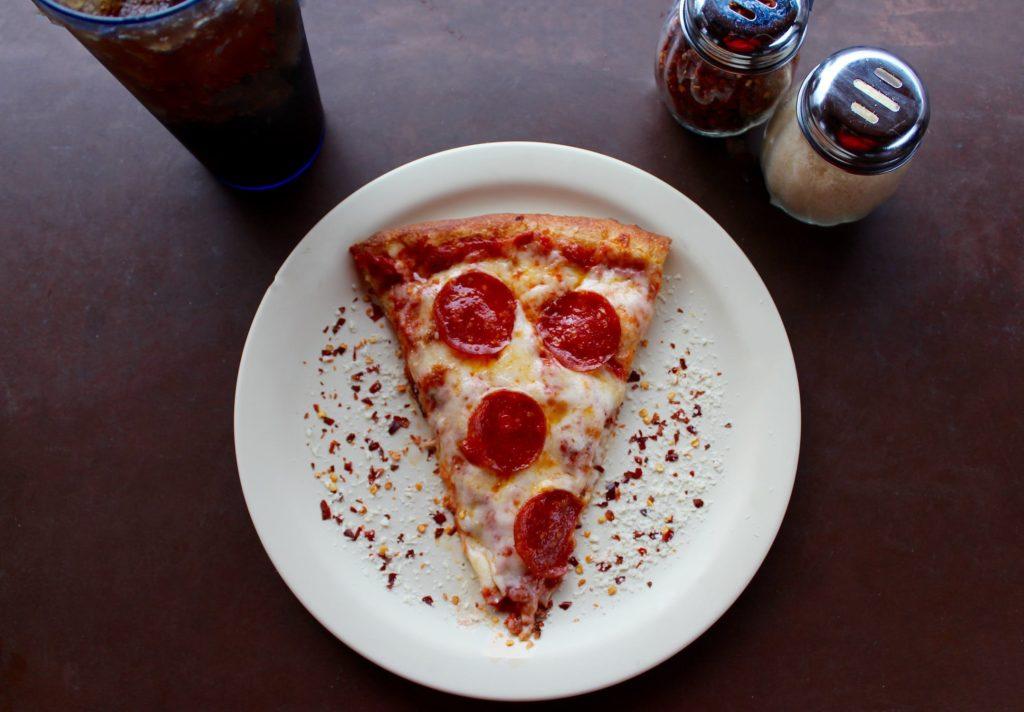 Pizza dla zakochanych jako pomysł kolację walentynkową