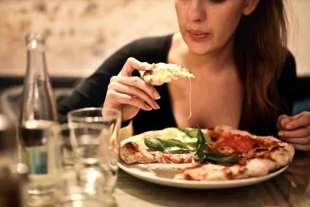 Romantyczna wizyta w pizzerii na walentynki
