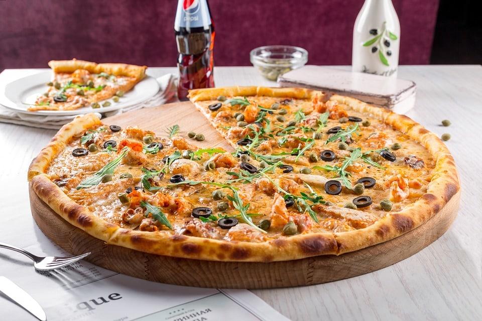 Jakie napoje do pizzy wybrać