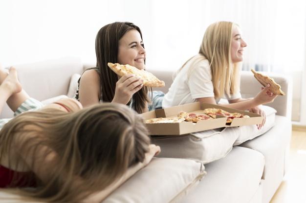 Najlepsza pizza na wspólne oglądanie filmu lub serialu